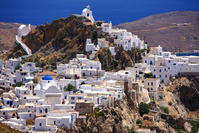 Serifos-Chora-Photo-by-S.-Lambadaridis