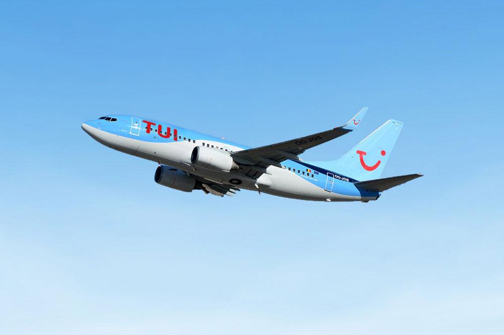 TUI_737-700.jpg