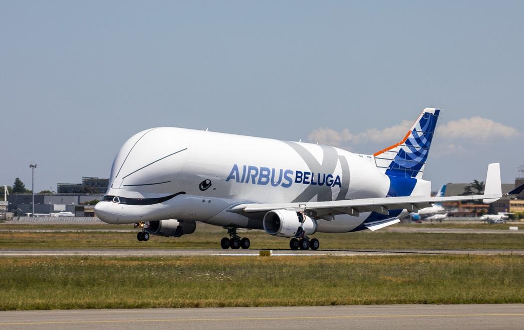 BelugaXL-First-Flight-Landing-02-1-1.jpg