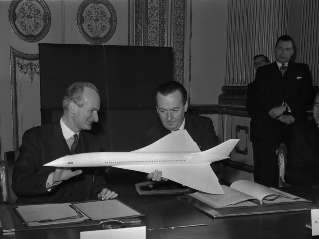 on-november-29-1962-the-governments-of-france-and-great-britain-signed-a-concord-agreement-to-build-a-supersonic-jet-liner-hence-the-name-of-the-plane-that-resulted-concorde