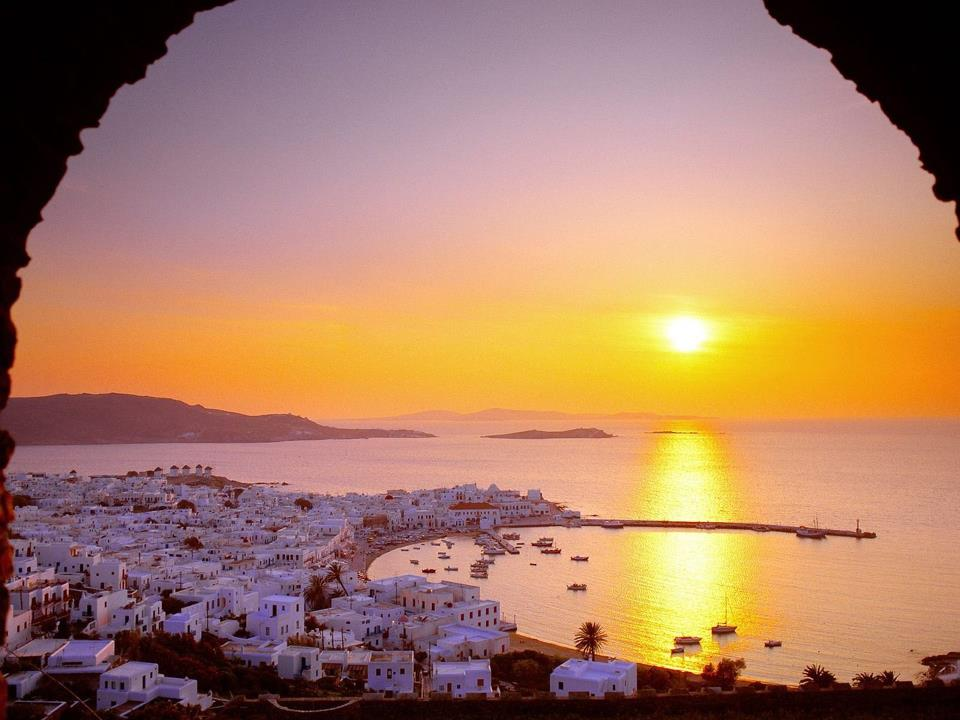 geo-crete-at-sunset-greece