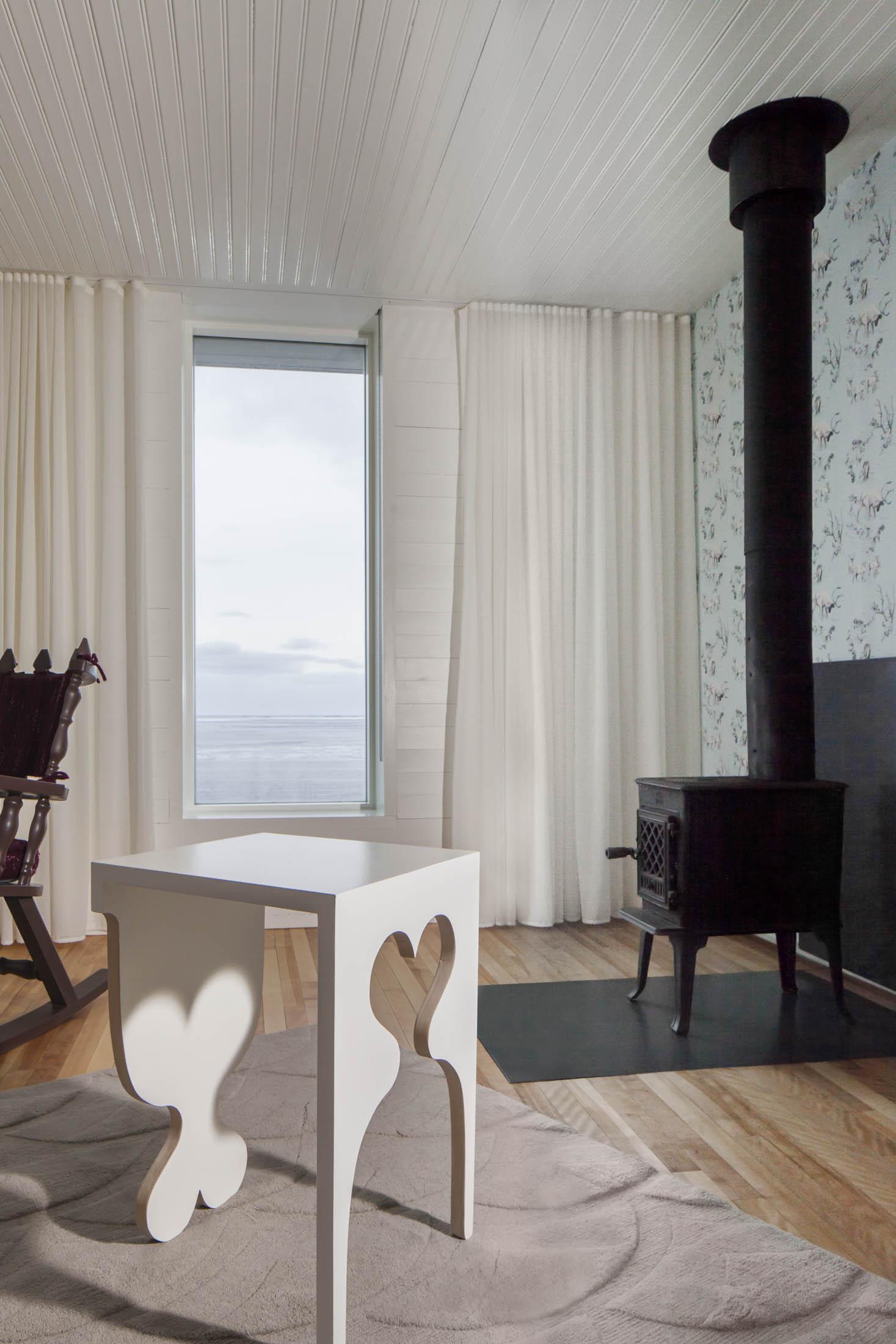 fogo-island-inn-newfoundland-bloomberg-pursuits-suite-herder-table-side