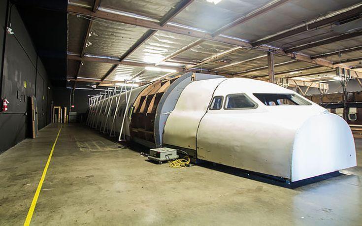 Αναρωτιέστε πού γυρίζονται σκηνές με αεροσκάφη κι αεροδρόμια στις ταινίες του Χόλιγουντ; Ιδού η απάντηση! (Photos)