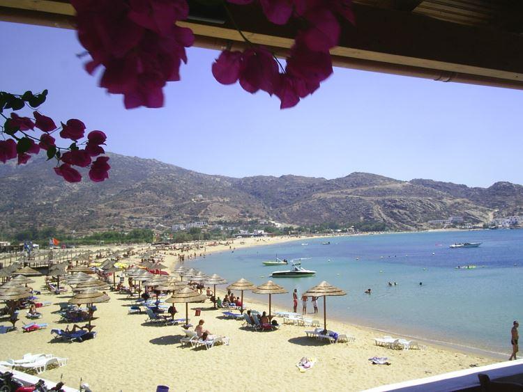 Συντάκτες της Ιταλικής Vogue λάτρεψαν αυτό το ελληνικό νησάκι!Ύμνοι της βίβλου της μόδας για τις ομορφιές του!(photos)