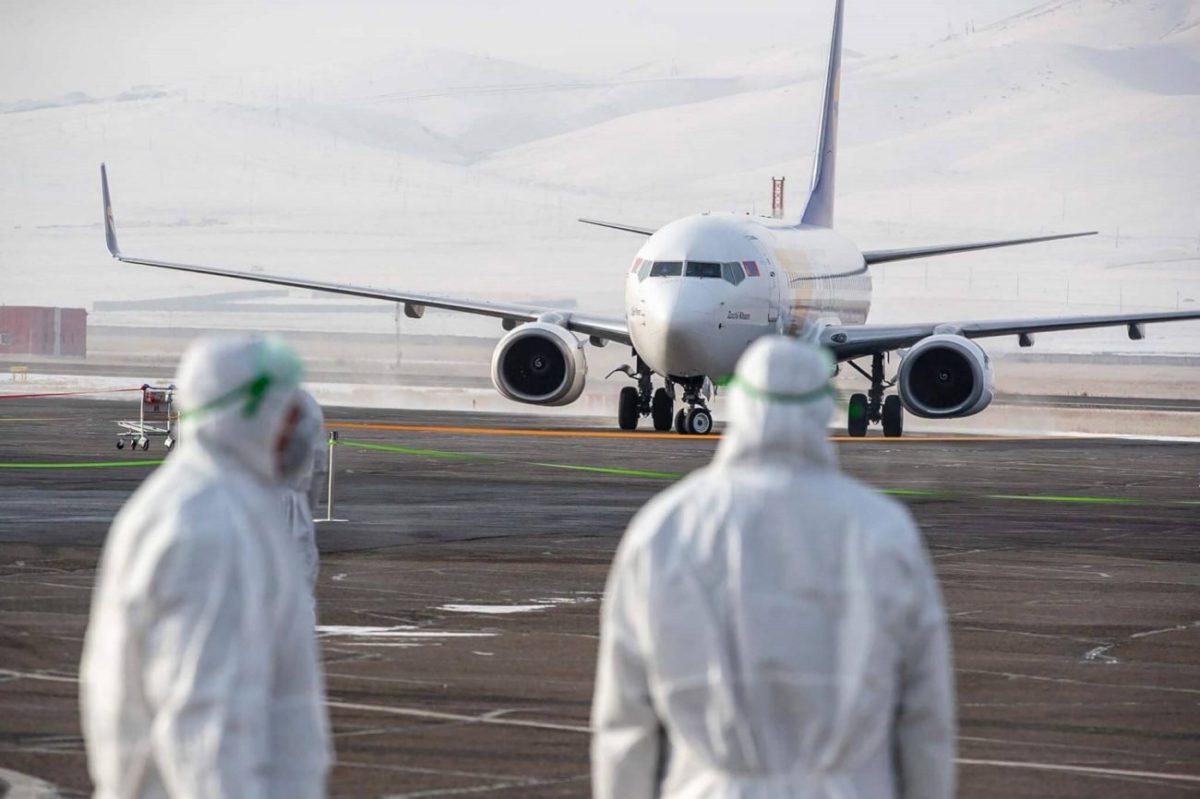 κορονοιός-αεροπλάνο